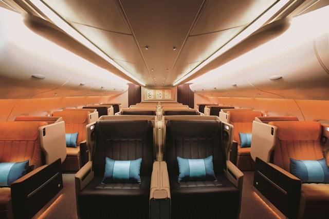 """Diese Business Class ist """"goldwert"""". Bequeme Sitze und viel Beinfreiheit bieten Wohlfühlgarantie. Foto: Singapore Airlines"""