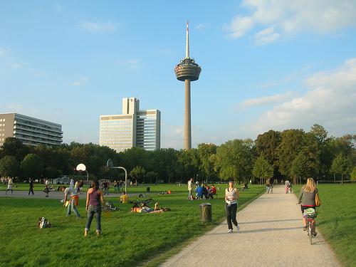 Laufen im Kölner GrüngürtelQuelle: transCam